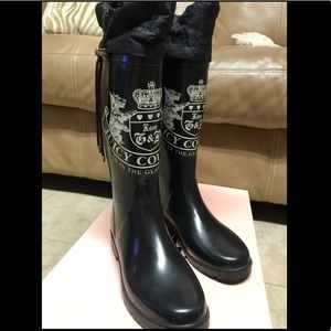 Juicy Couture Shower Boots